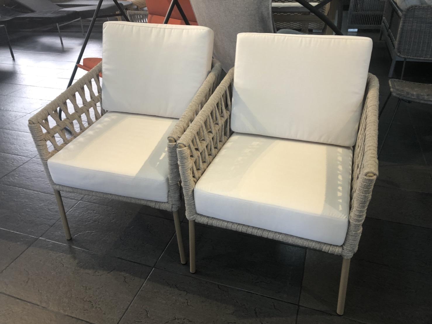 1P Chair